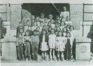 Lyerly First Grade 1945 Nell Floyd , Teacher