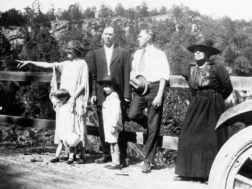 The Robert and Minnie Harlow family motor up Lookout Mountain in the late 1920's